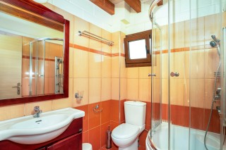 apartment 65 sqm ageras santa marina bathroom