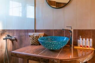 windmill ageras santa marina apartments bathroom amenities